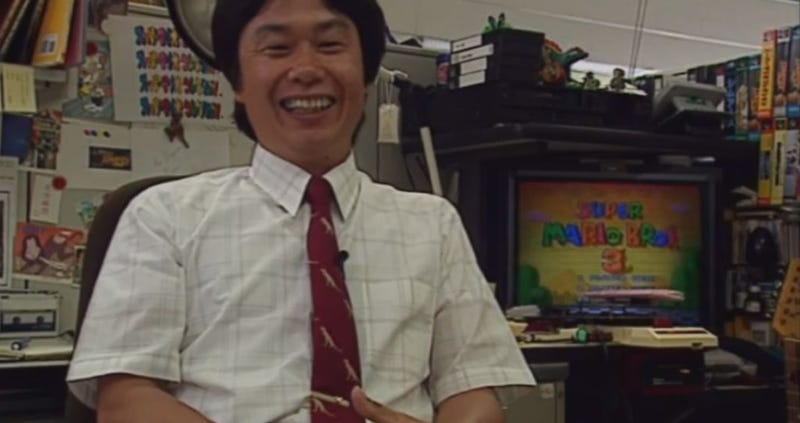 Illustration for article titled 1994 Nintendo Documentary Gives Us A Look At Miyamoto's Desk