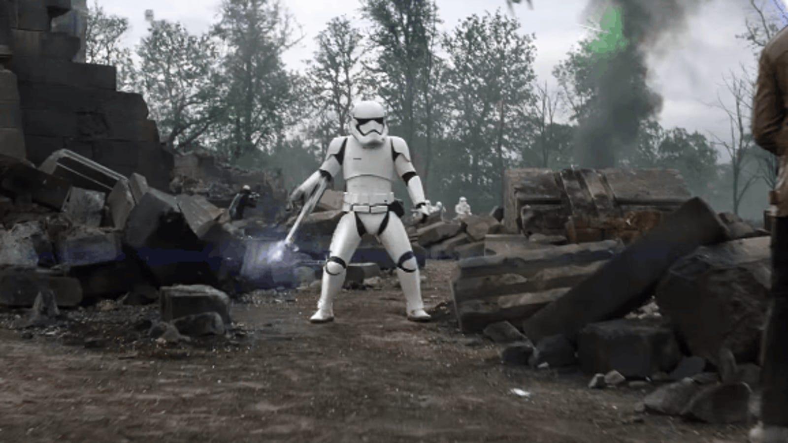 La historia detrás del Stormtrooper más famoso de The Force Awakens que se convirtió en meme
