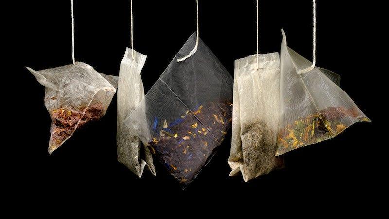 Las bolsas de té no están hechas de seda, sino de plástico.