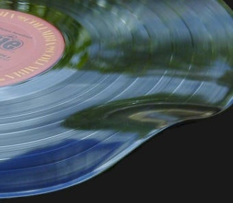 Repair Warped Vinyl Records with Two Sheets of Glass