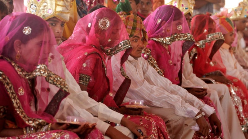 Illustration for article titled 400 Indian Brides-to-Be Forced to Take Virginity Tests at Mass Wedding