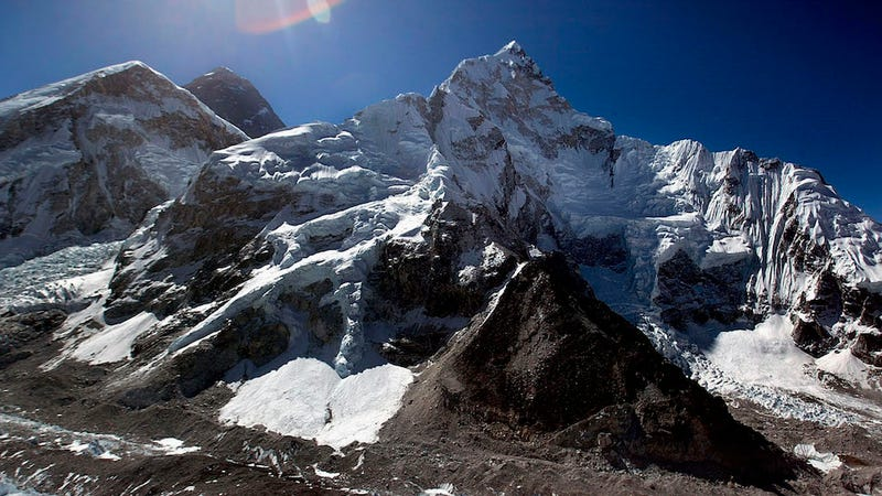 Illustration for article titled 13-Year-Old Becomes Youngest Girl to Scale Mount Everest