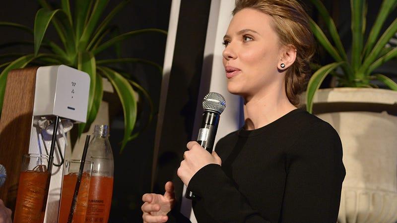 Illustration for article titled Scarlett Johansson's SodaStream Partnership Turning into a Nightmare