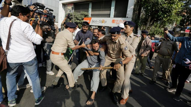 Indian Authorities Order Internet Shutdowns Amid Mass Protests, Outrage Over Citizenship Law
