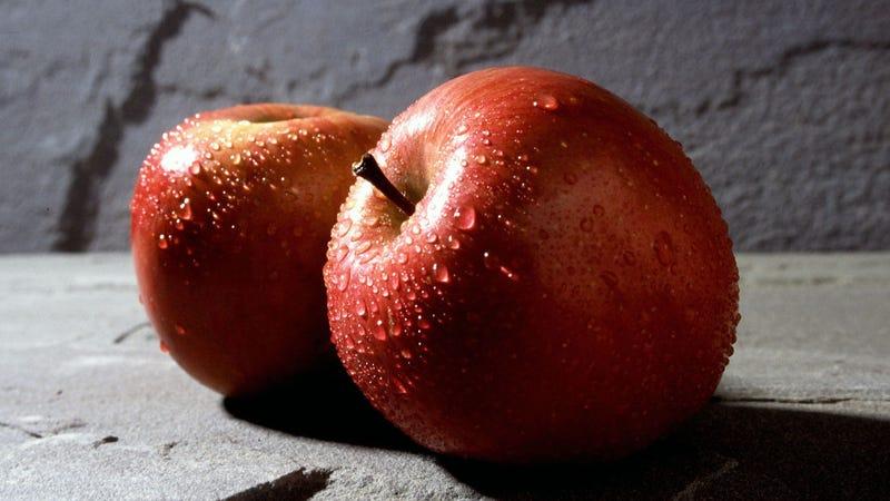 Illustration for article titled El agua corriente no es la forma más segura de lavar las manzanas