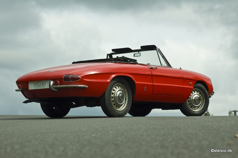 Illustration for article titled I saw a first gen Alfa Romeo Spider for the first time today