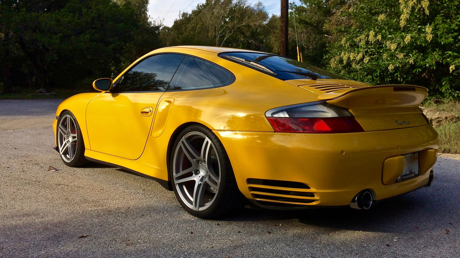 Here S How To Own The 996 Porsche 911 Turbo You Really Want