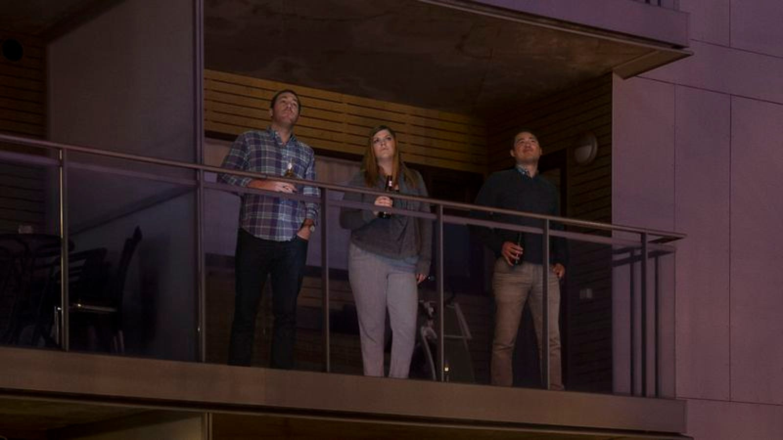New Study Finds Staring Out From Balcony With Best Friends Strongest Indicator That This Your City, Your Time