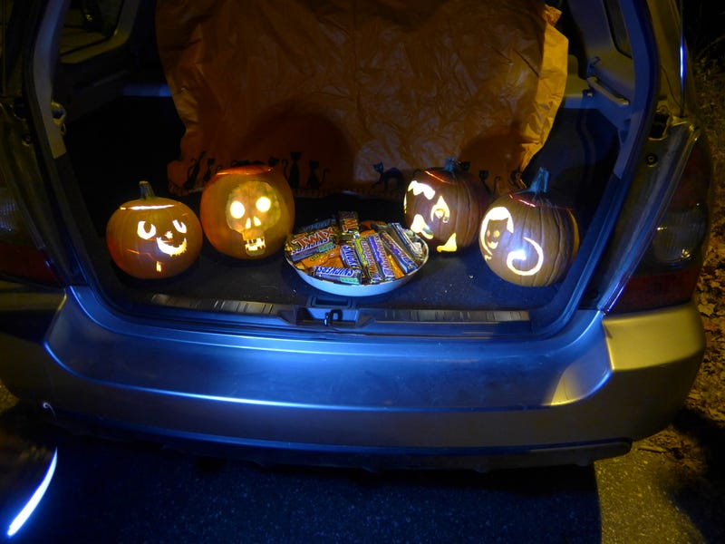 Illustration for article titled Decorated my hatch for Halloween