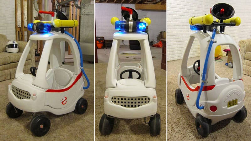 Illustration for article titled This Homemade Cozy Coupe Ecto1 Is Unofficially Awesome