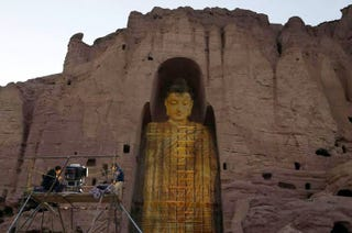 Illustration for article titled Afghanistan's Destroyed Buddhas Given New Life As Holograms