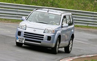 Illustration for article titled Nissan X-Trail Fuel Cell Jumps Nurburgring Shark
