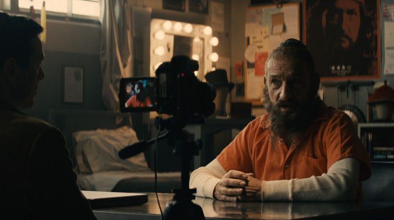 Ben Kingsley haciendo de Trevor Slattery en All Hail the King.Imagen: Marvel Studios