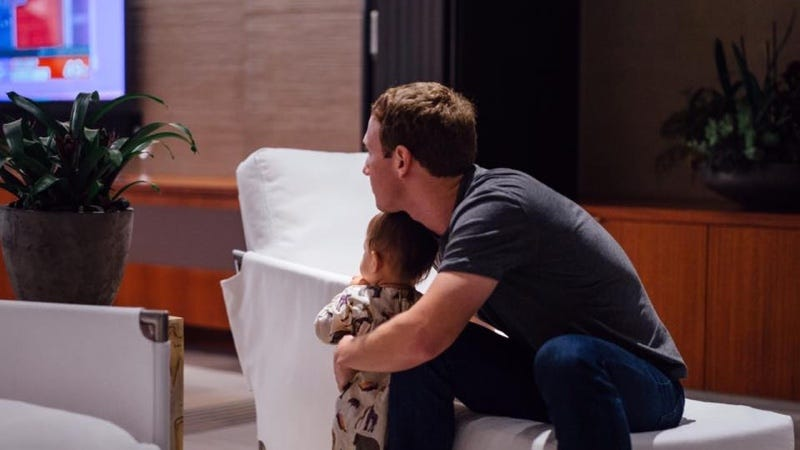 Zuck y su hija Max viendo los resultados de las elecciones presidenciales de Estados Unidos. Imagen: Mark Zuckerberg
