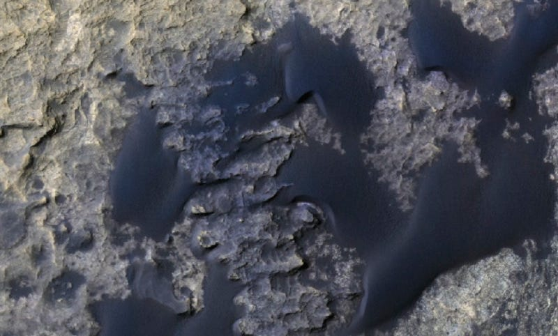 HiRISE image of the Bagnold Dunes (Image: NASA/JPL via Mathieu Lapotre)