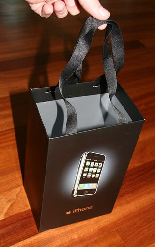 Illustration for article titled iPhone Shopping Bag Sells for $305 on eBay