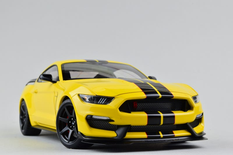 Illustration for article titled Mustang Monday: AUTOart Ford Shelby GT-350R