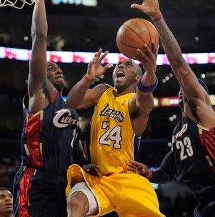 Illustration for article titled Nine-Fingered Kobe Enough To Stop LeBron James