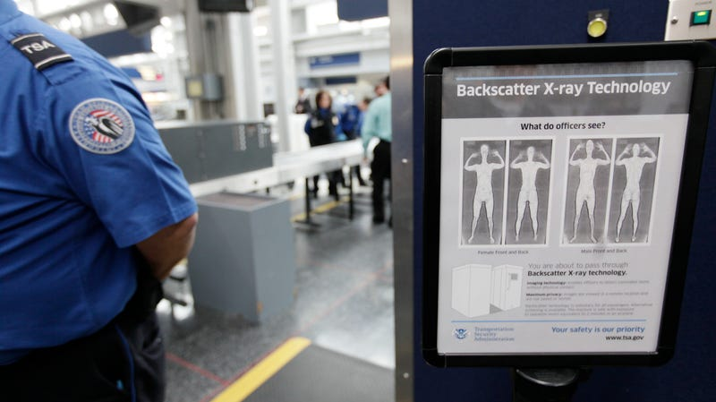 Illustration for article titled New Bill Would Force TSA to Adopt 'Gender-Neutral' Screenings
