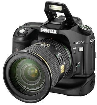 Illustration for article titled Supposed Pentax K200D Pictures Leaked All Over the Web