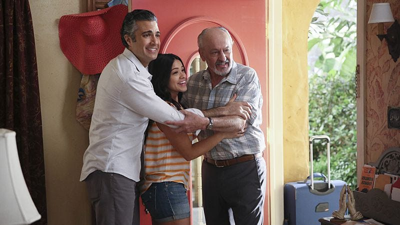 Illustration for article titled An excellent Jane The Virgin deals with disastrous dates and a gay grandpa