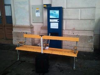 Illustration for article titled A MÁV megpróbálja elrettenteni az utasokat, de hiába