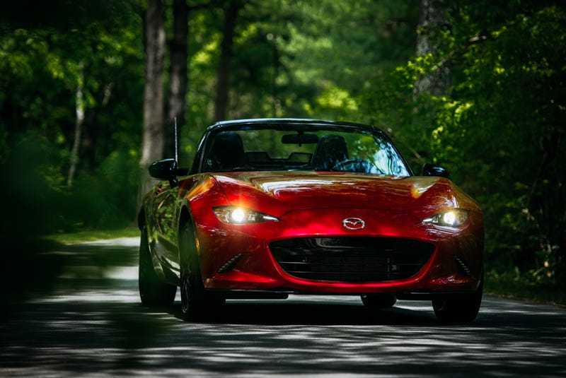Illustration for article titled Your Ridiculously Awesome 2016 Mazda Miata Wallpaper Is Here