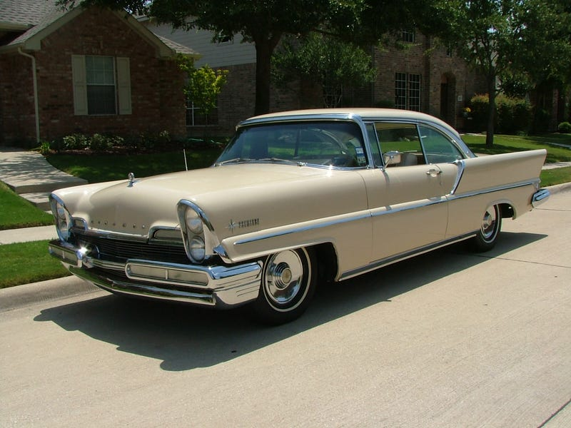 Illustration for article titled Arbitrary classic photo, 1957 Lincoln Premiere 2-door