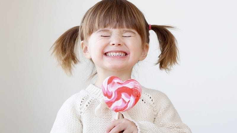 Illustration for article titled Child Bribery Is a Totally Legit Parenting Technique, Insists Infamous Child Briber