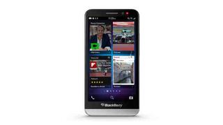 Illustration for article titled El sucesor del BlackBerry Z10 ya es oficial: llega el (enorme) BB Z30