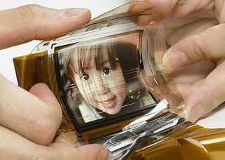 Illustration for article titled Sony Flexi-OLED Screen Is Trouble Waiting to Happen