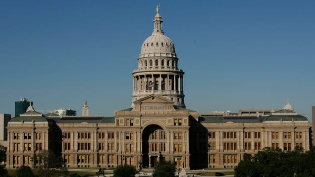 Texas Lawmakers Introduce Bill to Penalize Businesses That 'Boycott' Fossil Fuels