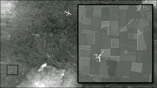 Illustration for article titled The 'Satellite Image' Of A Ukrainian Fighter Shooting Down MH17 Is Bogus