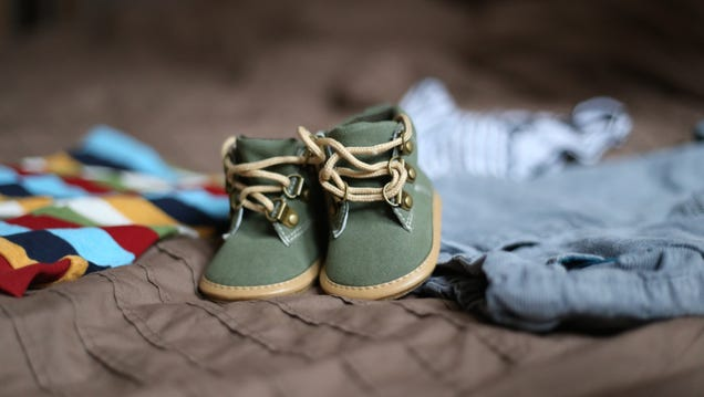 How to Buy the Right Baby Clothes