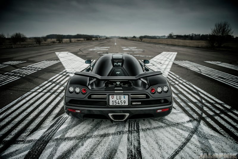 Illustration for article titled 2009 Koenigsegg CCXR Edition: The Jalopnik 180 MPH Runway Blast