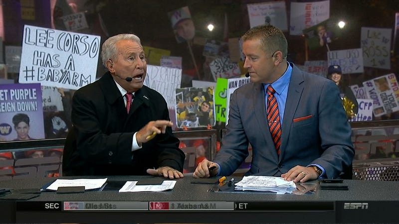 Illustration for article titled Lee Corso Has A #BABYARM