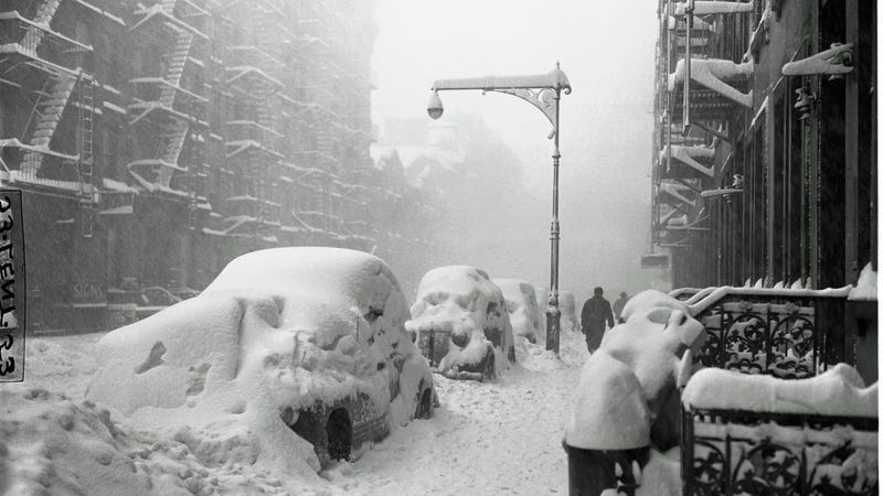 New York City after a 1947 blizzard. Image: AP