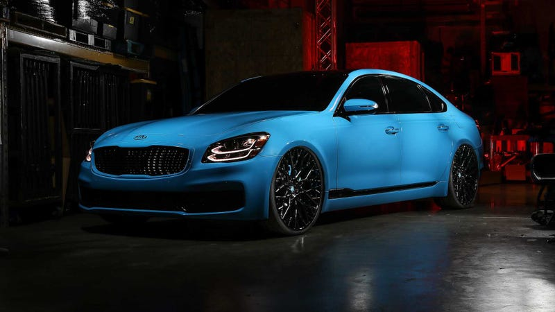 Illustration for article titled Kia K900 Smurf edition from SEMA