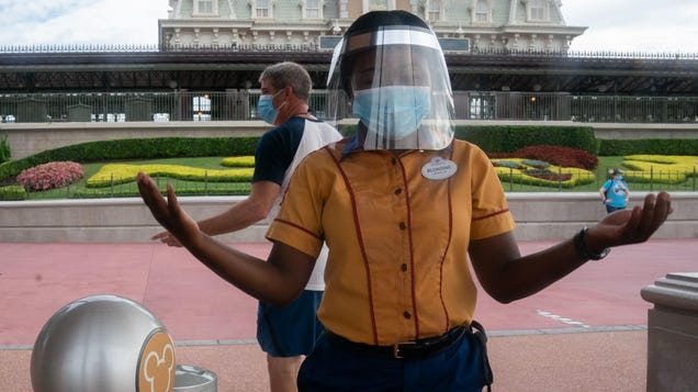 Disney Will Stop Photoshopping Face Masks Onto Maskless Guests On Rides