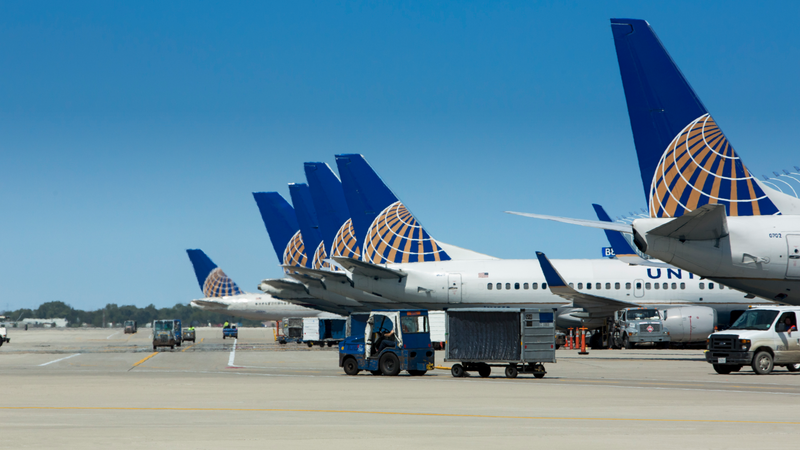 United Airlines Refused To Board Female Passengers Because They Wore Leggings