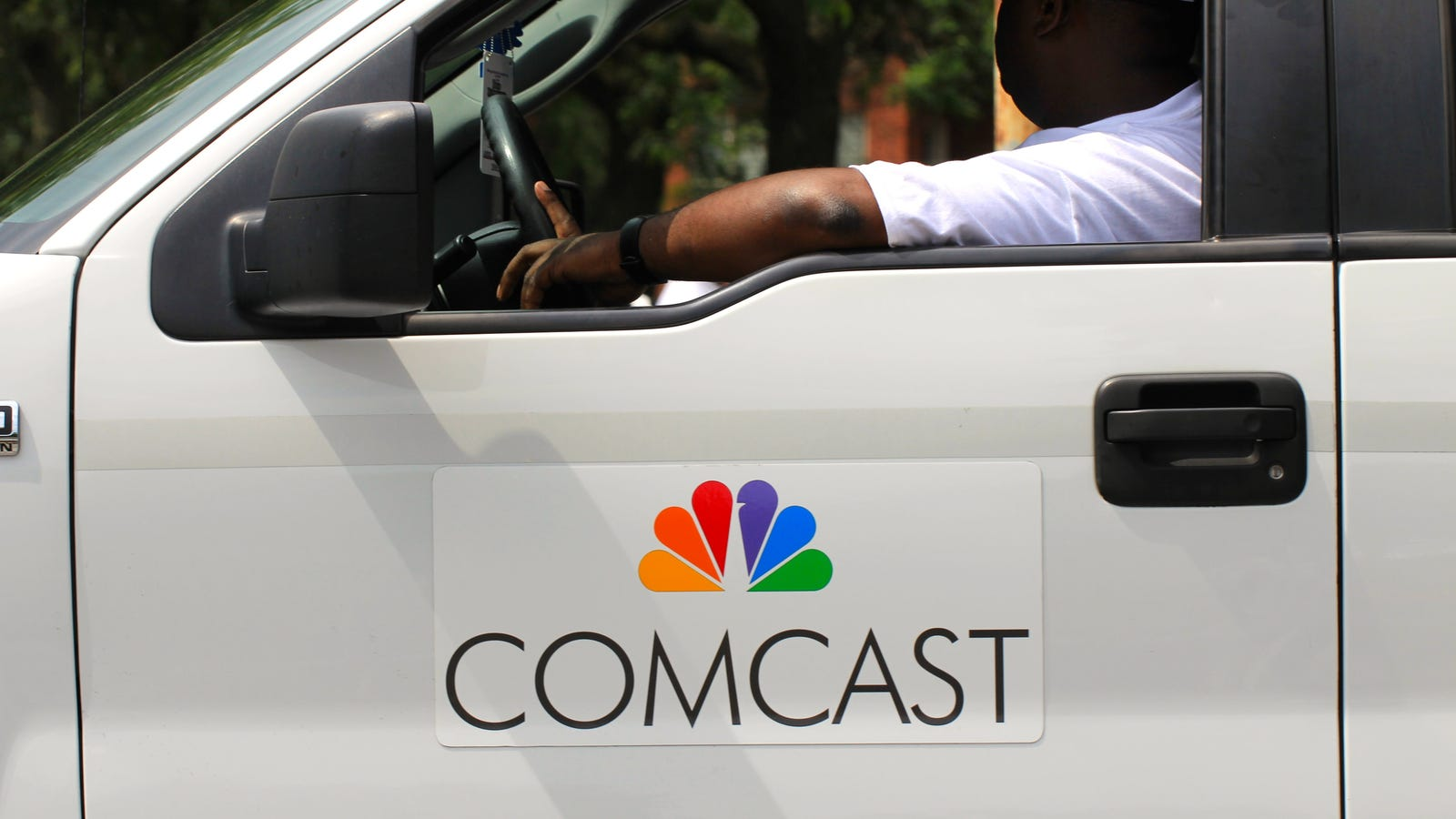 Comcast Working on Health Monitoring Device For the Elderly But Don't Call it an Alexa - Gizmodo