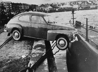 Illustration for article titled Car crashed into a submarine, Sweden, 1961