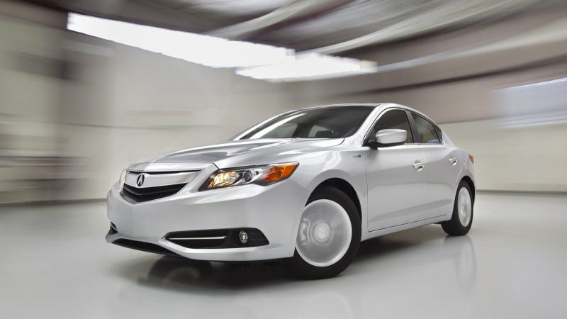 Illustration for article titled 2014 Acura ILX Hybrid Adds To Acura Luxury Gateway Sedan Offerings