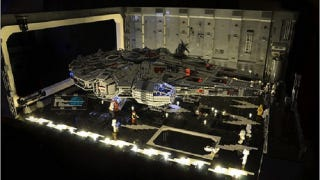 Illustration for article titled Star Wars Fan Builds A Docking Bay for His Millennium Falcon
