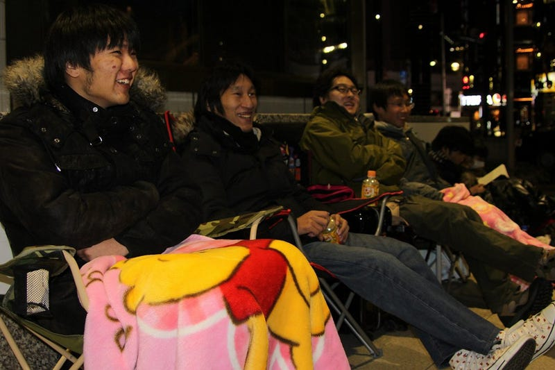 Illustration for article titled Japanese Fans Line Up For a Chance To Be First To Buy a PS4