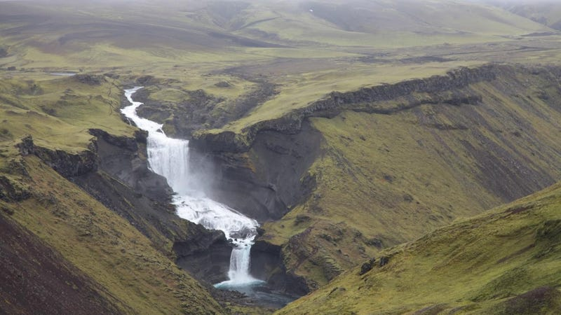 A section of Iceland's Eldgjá fissure as it appears today. Around 1,100 years ago, this place was hell.