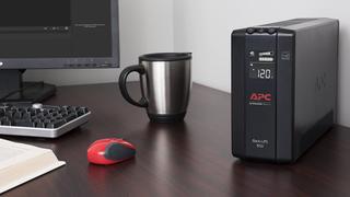 Batería de emergencia APC 850A UPS   $85   Amazon