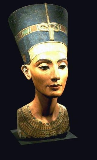 Illustration for article titled Nefertiti Was Airbrushed?