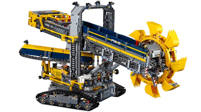 Illustration for article titled Lego's Largest Technic Set Can Dig a Moat Around Your Home