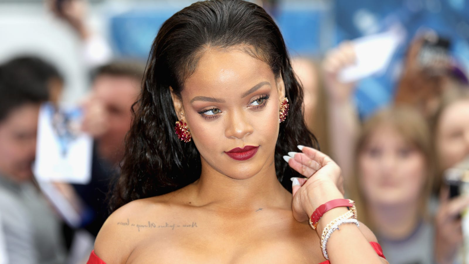 Nothing But 'Work': Rihanna Working on Dancehall Album and Our Souls and Bodies Are Reeaaadddyyyy